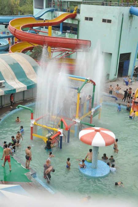 Splash Water Park Gt Karnal Road Industrial Area Delhi